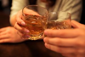 筋肉が分解される!?筋トレと飲酒の関係性とは!